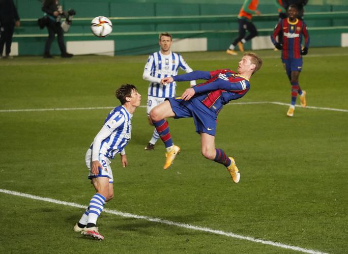Thắng luân lưu nghẹt thở, Barcelona vào chung kết Siêu cúp Tây Ban Nha - Ảnh 3.
