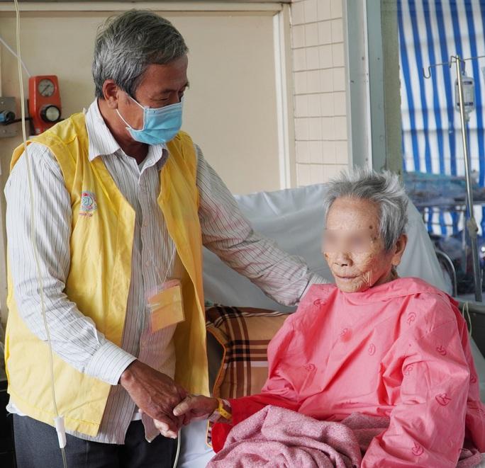 Cụ bà 106 tuổi được cứu sau cú trượt gãy xương trong nhà - Ảnh 1.