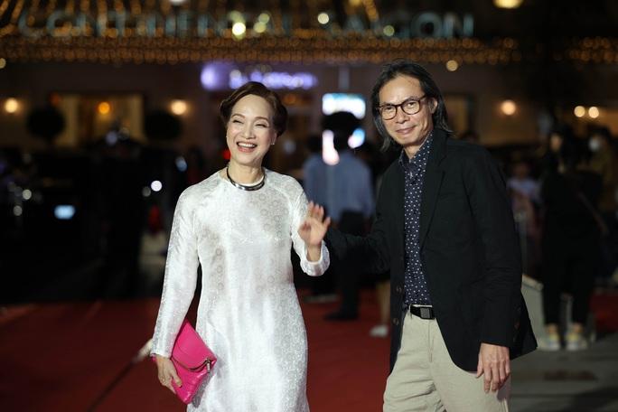 Hoài Linh, Jack, Phương Anh, Ngô Kiến Huy khuấy động thảm đỏ Mai Vàng 26-2020 - Ảnh 27.