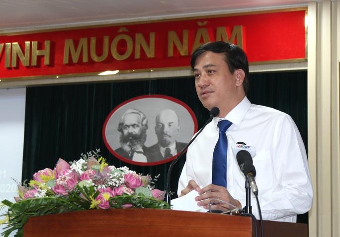 Phó chủ tịch UBND TP HCM Lê Hòa Bình liên tục nhắc đầu đội pháp lý, chân đi thực tiễn! - Ảnh 1.