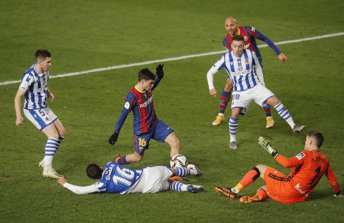 Thắng luân lưu nghẹt thở, Barcelona vào chung kết Siêu cúp Tây Ban Nha - Ảnh 2.