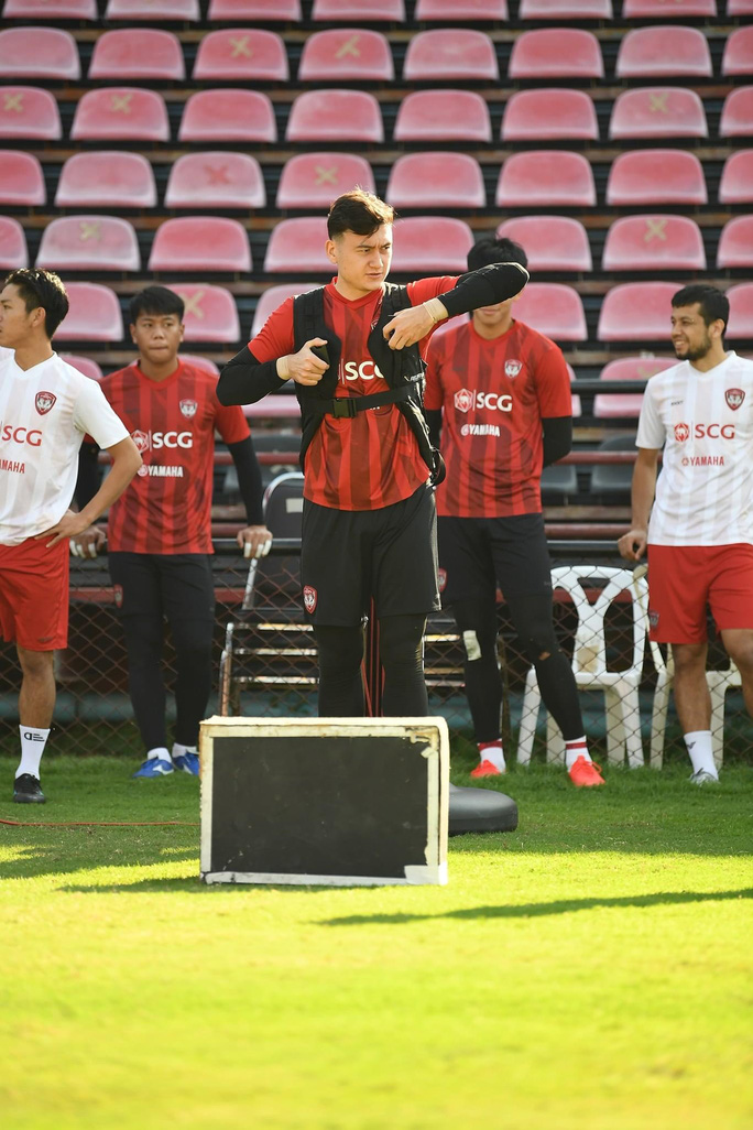 FIFA vào cuộc, fan của Đặng Văn Lâm hồi hộp - Ảnh 1.