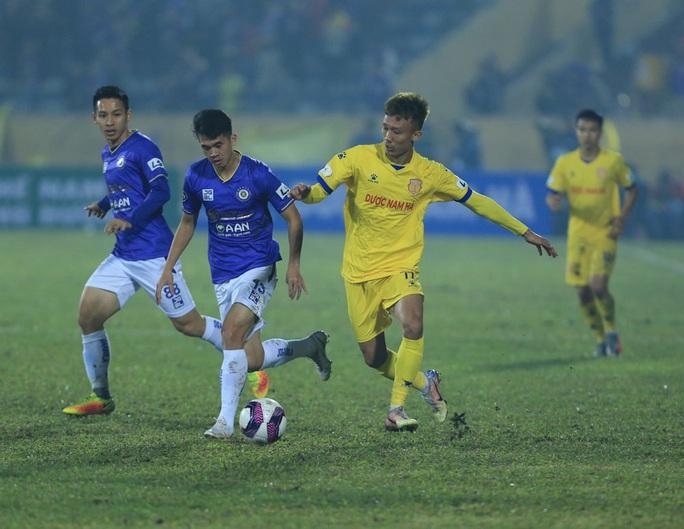 Hà Nội FC thất bại nặng nề ngày ra quân V-League 2021 - Ảnh 7.