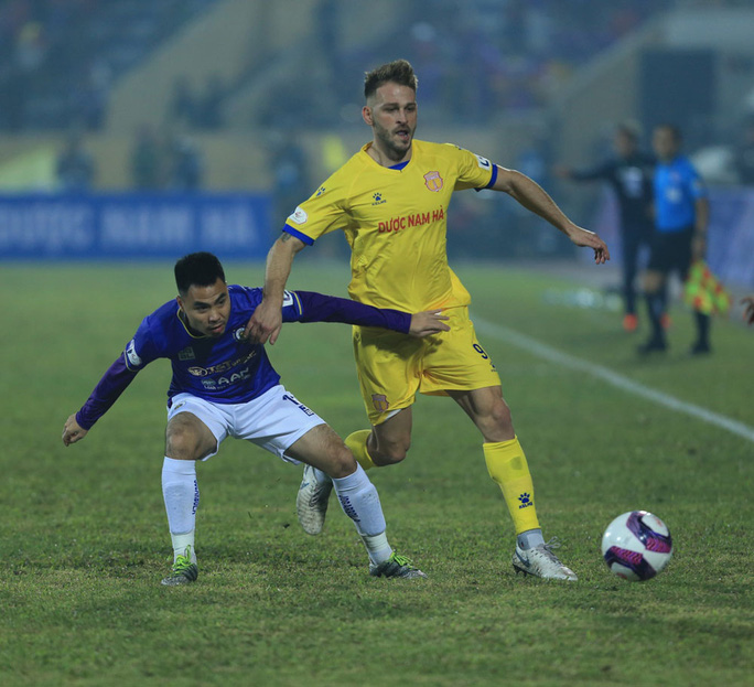 Hà Nội FC thất bại nặng nề ngày ra quân V-League 2021 - Ảnh 4.