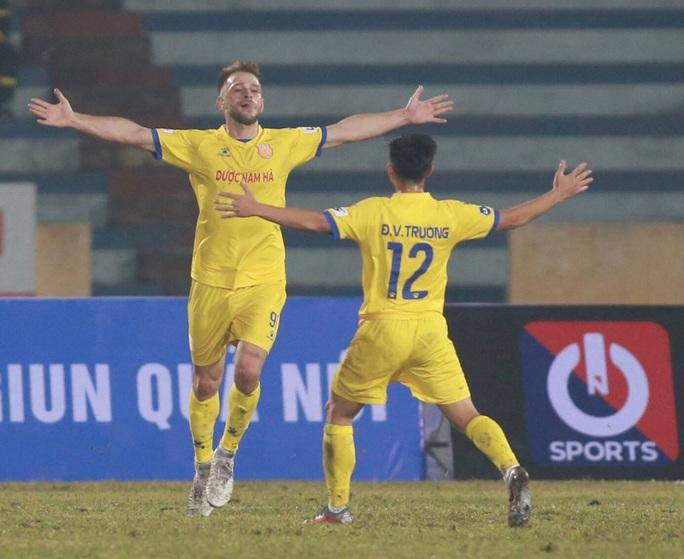 Hà Nội FC thất bại nặng nề ngày ra quân V-League 2021 - Ảnh 5.