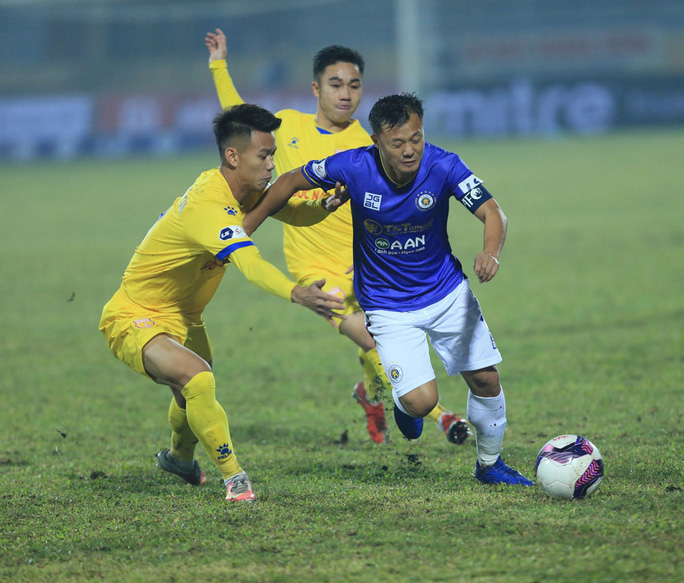 Hà Nội FC thất bại nặng nề ngày ra quân V-League 2021 - Ảnh 2.