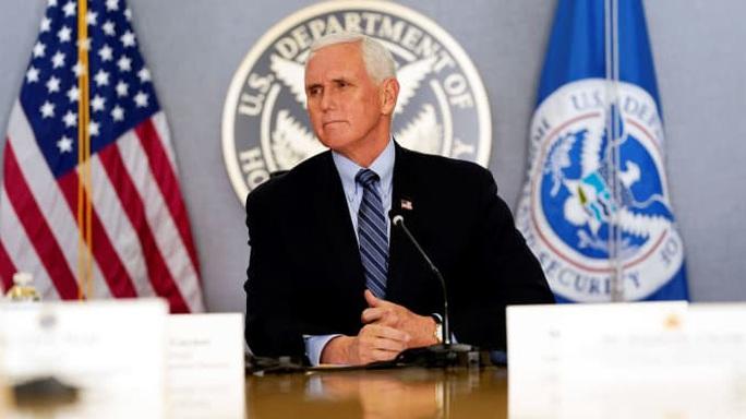 Phó Tổng thống Pence lần đầu gọi điện chúc mừng bà Harris - Ảnh 1.
