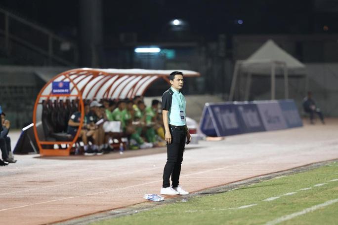 HLV Kiatisak nhận trận thua đầu tiên khi dẫn dắt HAGL tại V-League 2021 - Ảnh 3.