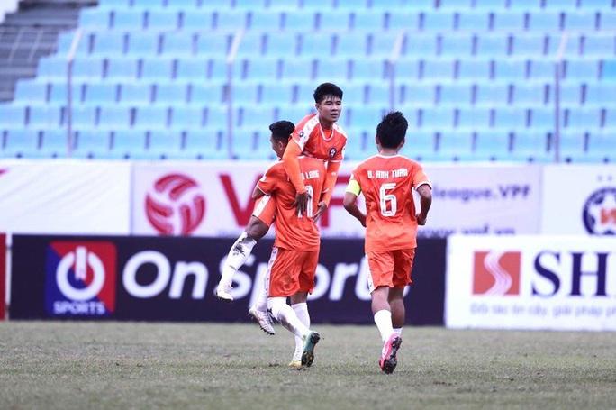 CLB TP HCM ngậm đắng ngày ra quân V-League 2021 - Ảnh 1.