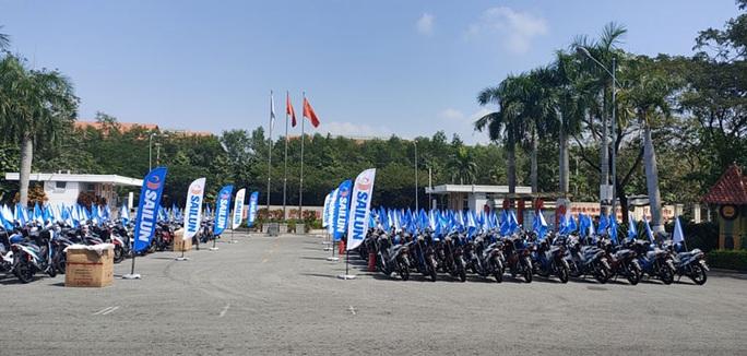 Tây Ninh: Một doanh nghiệp tặng 200 xe máy cho công nhân - Ảnh 1.