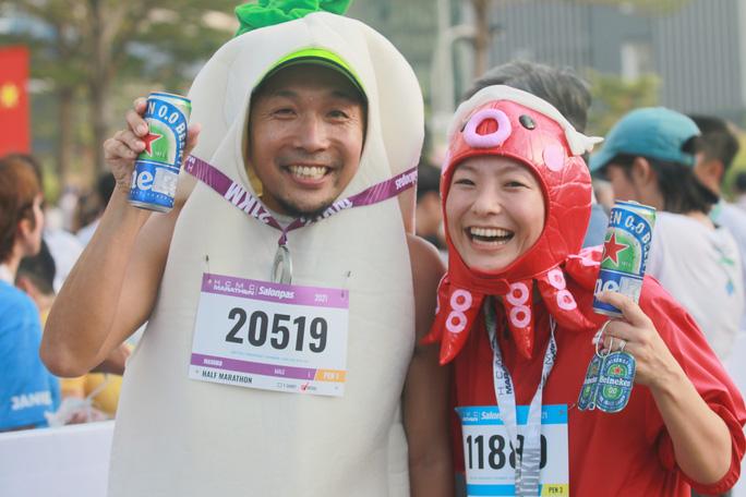 Nhà vô địch leo núi hạ sơn đăng quang Marathon TP HCM - Ảnh 7.