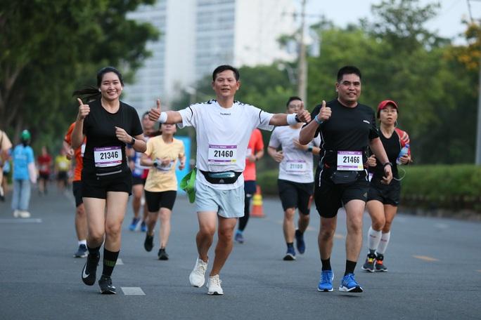 Nhà vô địch leo núi hạ sơn đăng quang Marathon TP HCM - Ảnh 3.