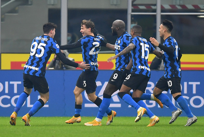 Ronaldo bất lực trong trận thua chủ nhà Inter Milan - Ảnh 4.