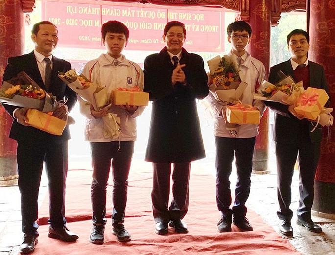 93 học sinh đoạt giải nhất kỳ thi chọn học sinh giỏi quốc gia - Ảnh 1.