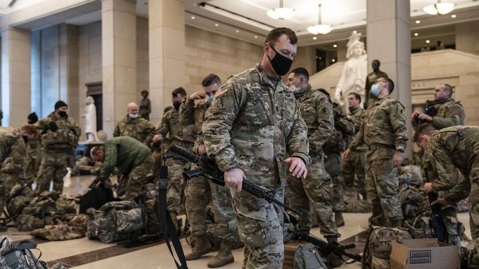 Mỹ: Sát lễ nhậm chức, FBI lo bị tấn công từ bên trong - Ảnh 1.