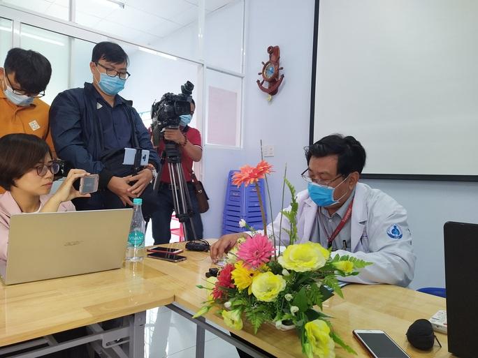 Tân Phú: bé 3 tuổi tử vong bất thường, tụt não, người nhiều vết bầm - Ảnh 1.