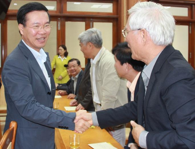 Ông Võ Văn Thưởng thăm chúc Tết tại Quảng Ngãi - Ảnh 1.