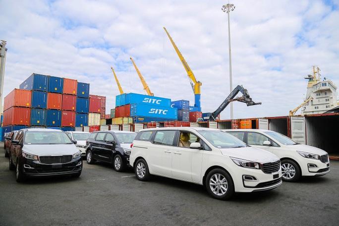 THACO hoàn thành mục tiêu xuất khẩu hơn 1.400 ô tô, linh kiện - Ảnh 1.
