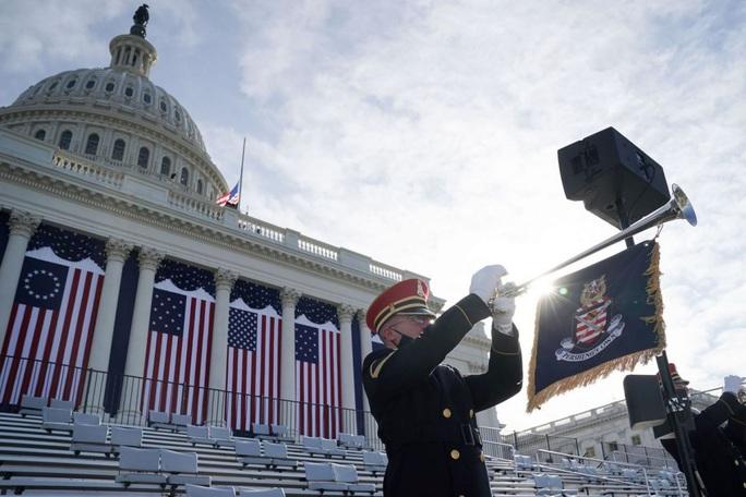 Phóng sự ảnh: Thủ đô Washington của Mỹ trước giờ chuyển giao quyền lực - Ảnh 17.