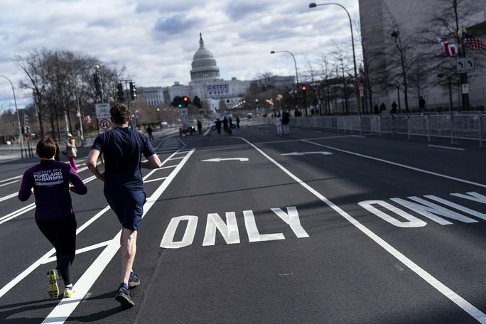 Phóng sự ảnh: Thủ đô Washington của Mỹ trước giờ chuyển giao quyền lực - Ảnh 20.