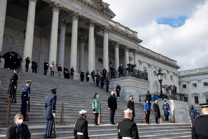 Phóng sự ảnh: Thủ đô Washington của Mỹ trước giờ chuyển giao quyền lực - Ảnh 5.