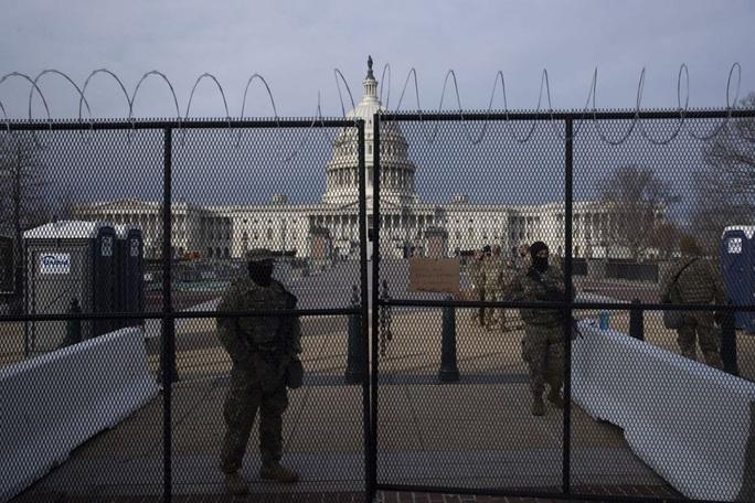 Phóng sự ảnh: Thủ đô Washington của Mỹ trước giờ chuyển giao quyền lực - Ảnh 12.