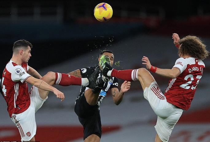 Hung thần Aubameyang bùng nổ, Arsenal thắng giòn giã Newcastle - Ảnh 5.