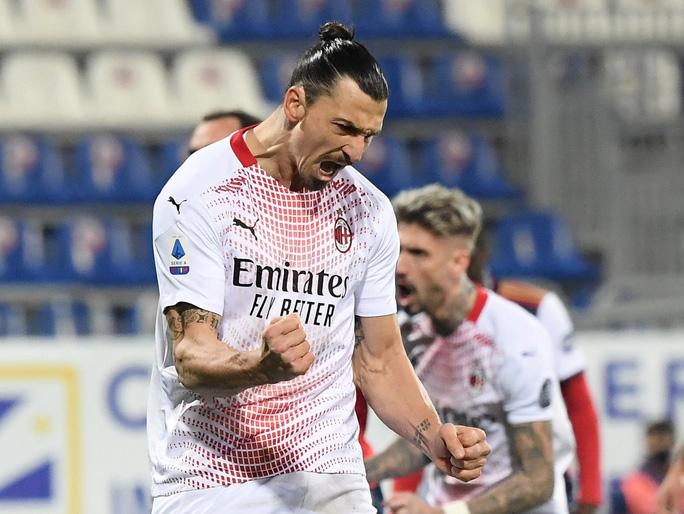 Ibrahimovic hâm nóng cuộc đua song mã Serie A - Ảnh 1.