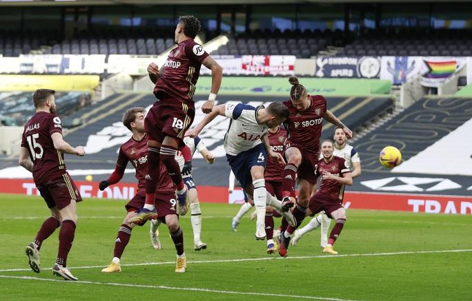 Son Heung-min chạm mốc 100 bàn thắng, Tottenham bay bổng Top 3 Ngoại hạng - Ảnh 6.