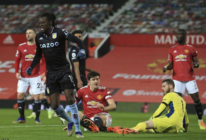 Quật ngã Aston Villa, Man United bắt kịp đội đầu bảng Liverpool - Ảnh 3.