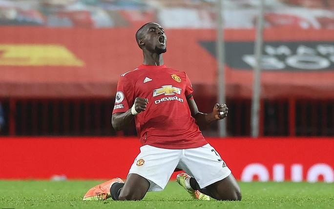 Quật ngã Aston Villa, Man United bắt kịp đội đầu bảng Liverpool - Ảnh 7.