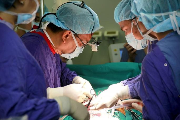 8 trường hợp khám, chữa bệnh BHYT đúng tuyến ở bất cứ cơ sở y tế nào - Ảnh 1.