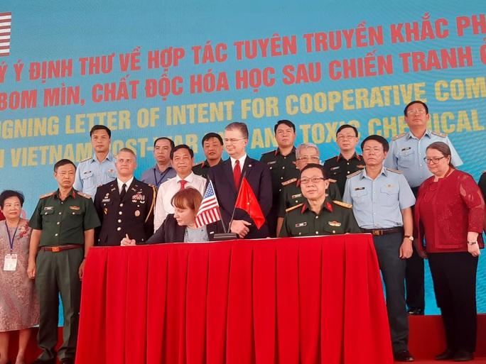 Mỹ viện trợ không hoàn lại 65 triệu USD hỗ trợ nạn nhân chất độc da cam tại Việt Nam - Ảnh 1.
