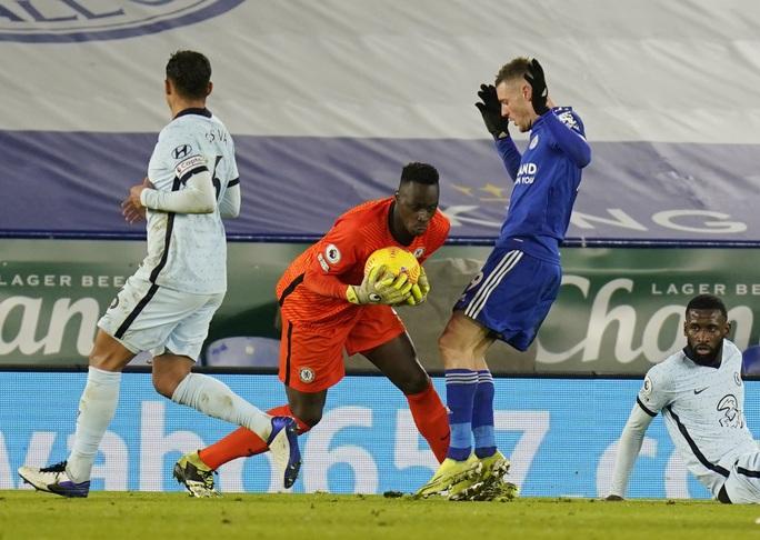 Hạ gục Chelsea, Leicester soán ngôi đầu Ngoại hạng Anh - Ảnh 4.