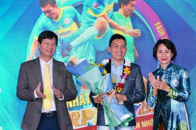 Fair Play 2020: Vinh danh cầu thủ futsal Nguyễn Nhớ - Ảnh 1.