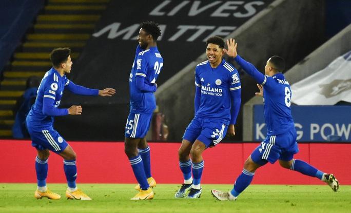 Hạ gục Chelsea, Leicester soán ngôi đầu Ngoại hạng Anh - Ảnh 3.