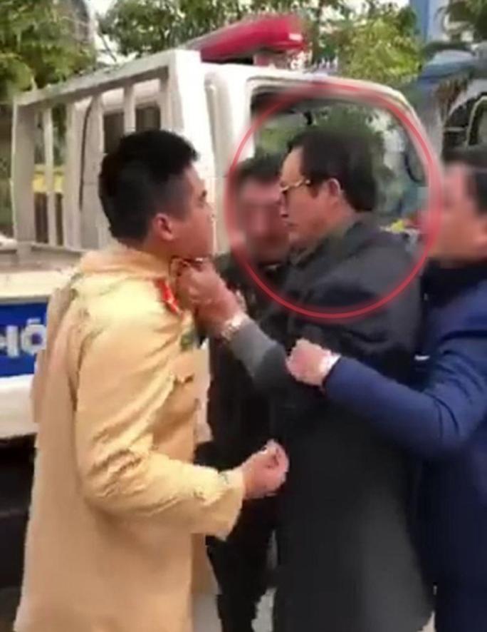 Chi cục trưởng vi phạm say xỉn, túm cổ áo lăng mạ CSGT - Ảnh 1.
