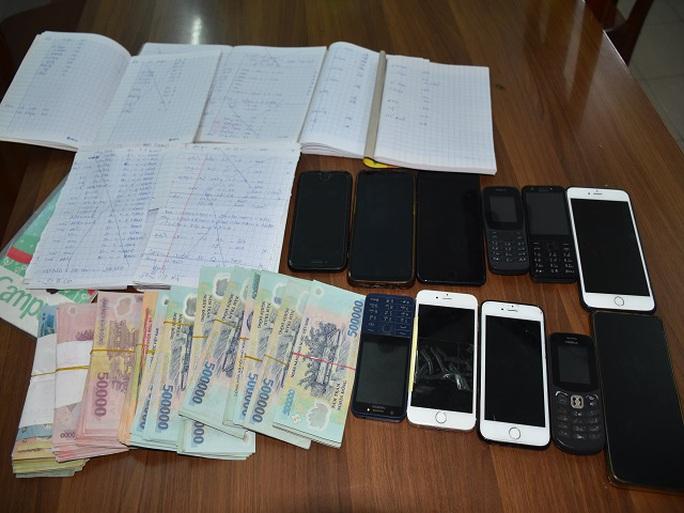 Triệt phá đường dây đánh bạc hàng chục tỉ đồng ở Quảng Nam - Ảnh 2.