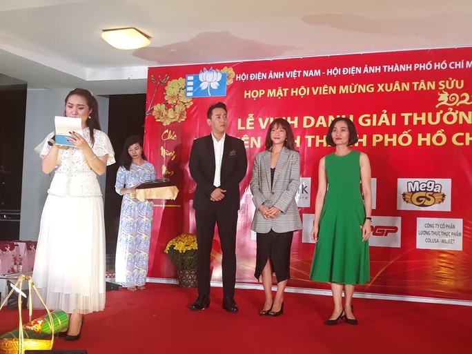 Hứa Vĩ Văn, Khả Ngân được Hội Điện ảnh TP HCM vinh danh - Ảnh 1.