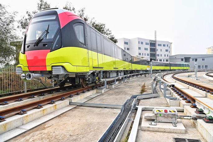 Cận cảnh tàu tuyến metro Nhổn-ga Hà Nội chạy thử 5 km - Ảnh 2.