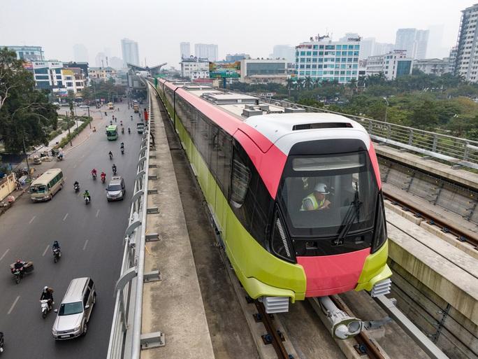 Cận cảnh tàu tuyến metro Nhổn-ga Hà Nội chạy thử 5 km - Ảnh 4.