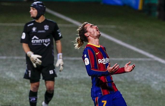 Vắng Messi, Barcelona chật vật vượt ải tí hon Cornella ở Cúp Nhà vua - Ảnh 1.