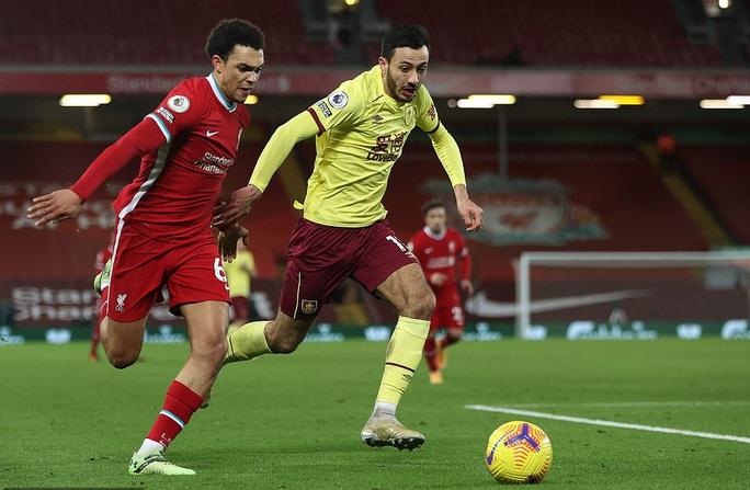 Liverpool thua sốc trên chấm phạt đền, tí hon Burnley lập kỳ tích - Ảnh 1.
