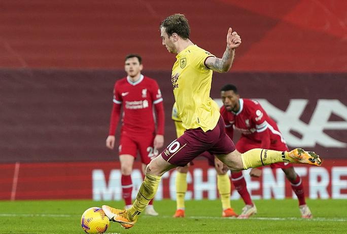 Liverpool thua sốc trên chấm phạt đền, tí hon Burnley lập kỳ tích - Ảnh 6.