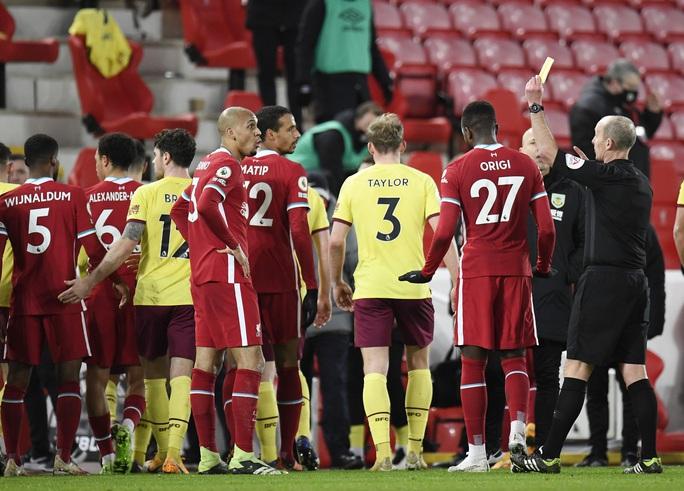 Liverpool thua sốc trên chấm phạt đền, tí hon Burnley lập kỳ tích - Ảnh 3.