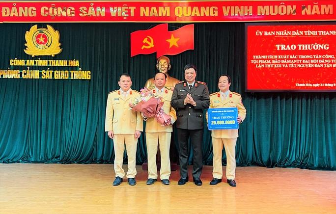 Phòng CSGT Thanh Hóa được thưởng nóng 50 triệu đồng - Ảnh 2.