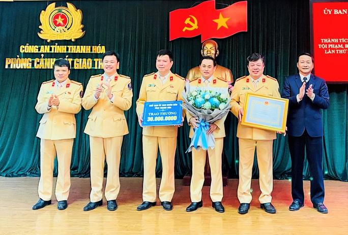 Phòng CSGT Thanh Hóa được thưởng nóng 50 triệu đồng - Ảnh 1.