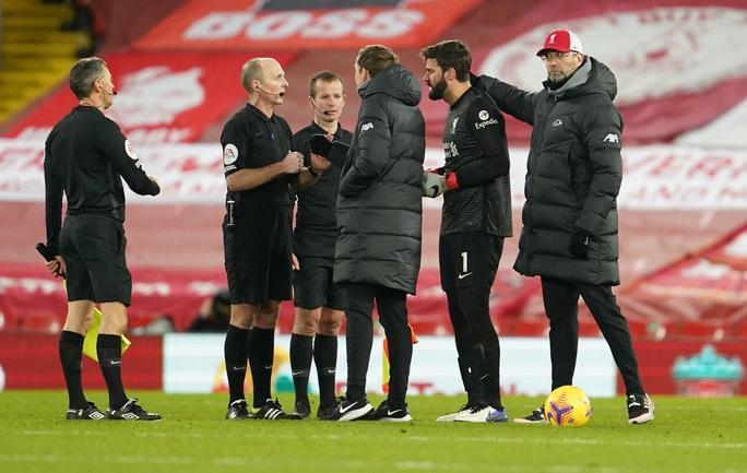 Liverpool thua sốc trên chấm phạt đền, tí hon Burnley lập kỳ tích - Ảnh 8.