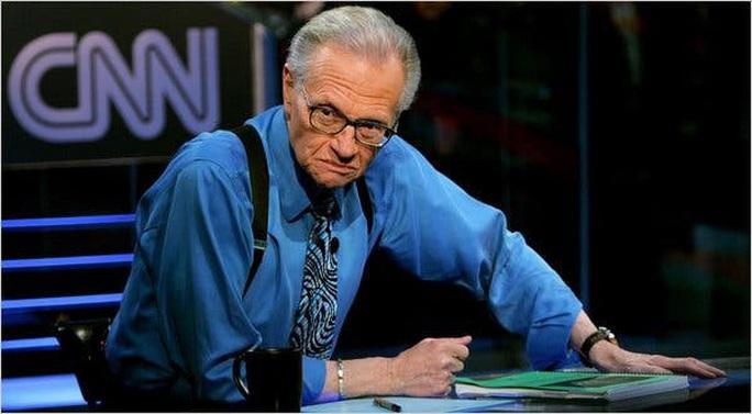 MC nổi tiếng Larry King qua đời ở tuổi 87 - Ảnh 1.