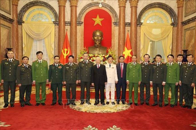 Tổng Bí thư, Chủ tịch nước trao Quyết định thăng cấp bậc hàm Thượng tướng cho Thứ trưởng Bộ Công an - Ảnh 2.